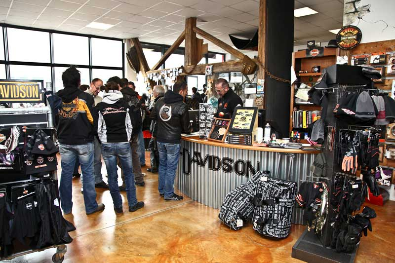 HARLEY OPEN DAY TRENTO 2012 – New Black e Orange (17)
